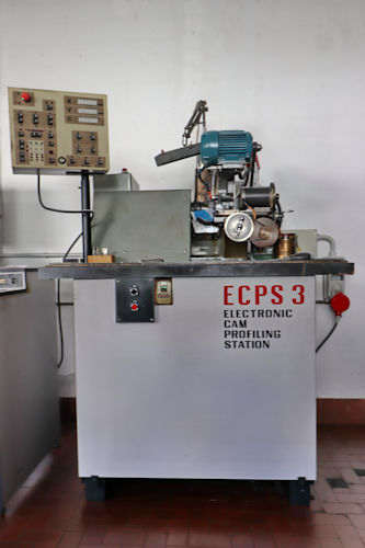 Electronic cam profiling station - Precision metal turnery